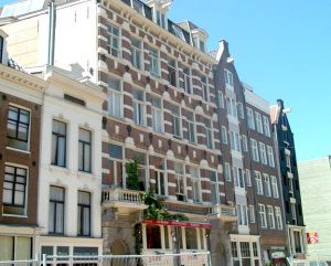 Spuistraat 268 te Amsterdam, van 1891 tot en met 1911 horlogewinkel en gezinswoning van Carl Frederik von Meijenfeldt, Margré de Haas en hun kinderen.