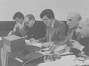 Studieconferentie VU Amsterdam over kernbewapening 7 april 1979, v.l.n.r. Lubbers (fractieleider CDA, later premier), Ernst (bisschop), Boeker (VU), Von Meijenfeldt en Den Uyl (fractieleider PvdA, voormalig premier)